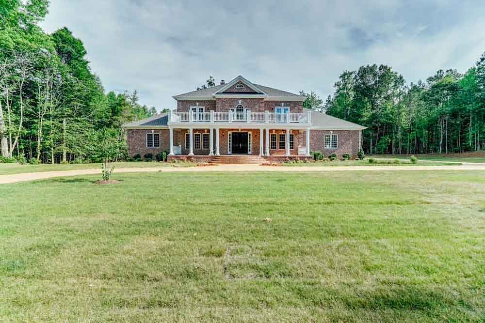 Faroff view of brick Middleburg home