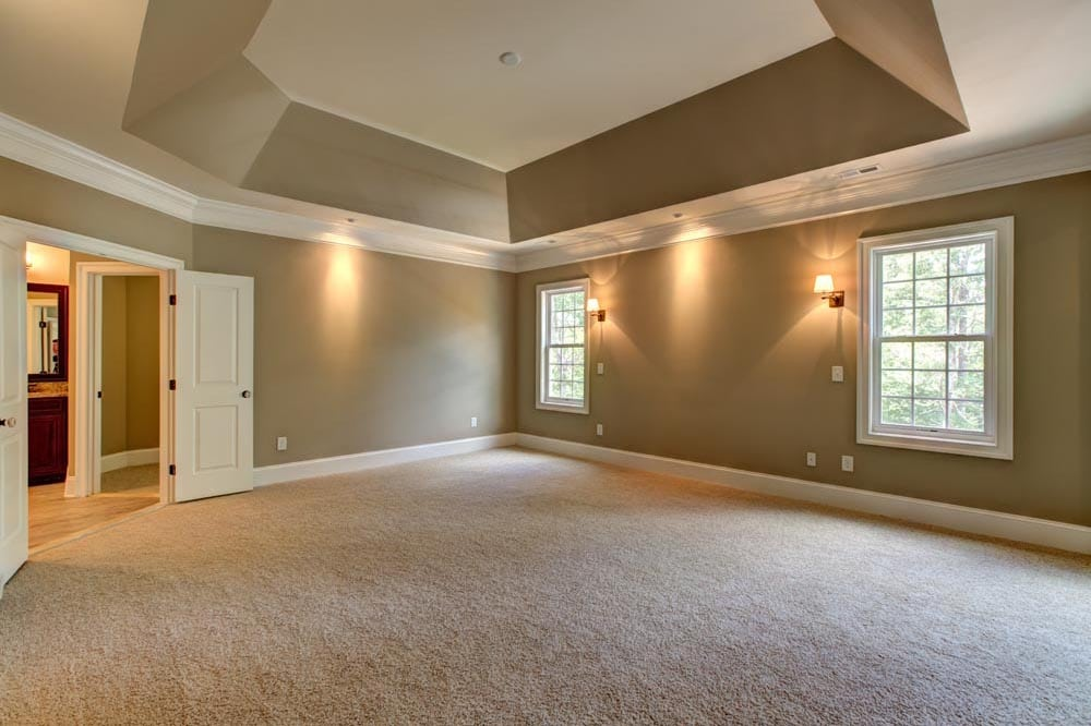 Large room in Ashburn home