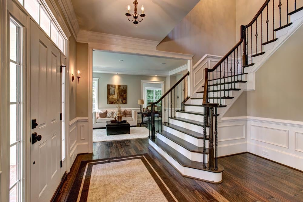 Small lobby in front of stairs