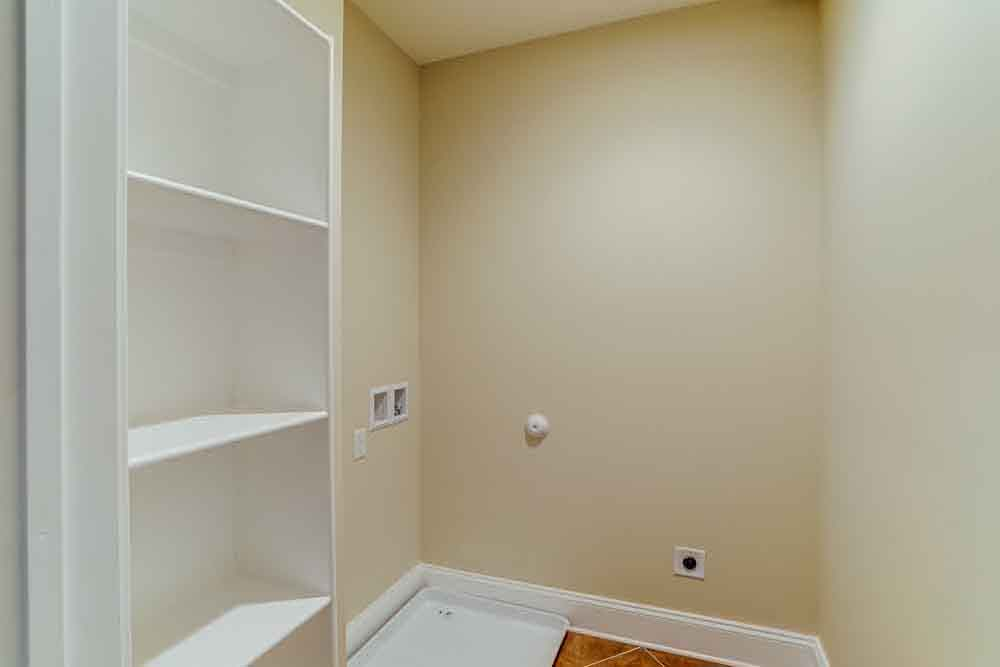 Small storage area in Middleburg home